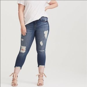 Torrid skinny ankle distressed step hem blue jeans